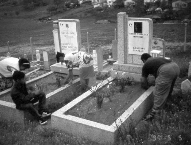 Gravesite cleaning May 5 1997
